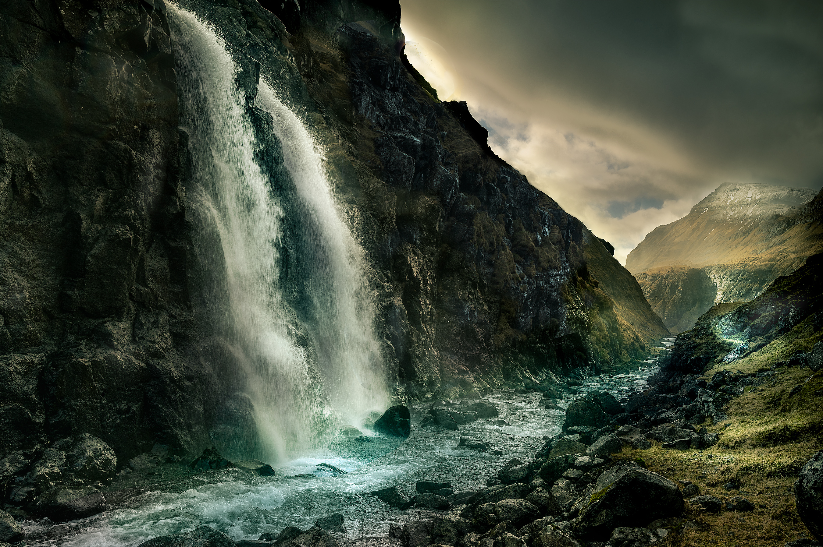 FAroe-Islands--Day-5-Small-waterfall-2700i